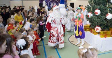 Более 120 тысяч рублей собрали жители Выксына благотворительной ярмарке ВМЗ