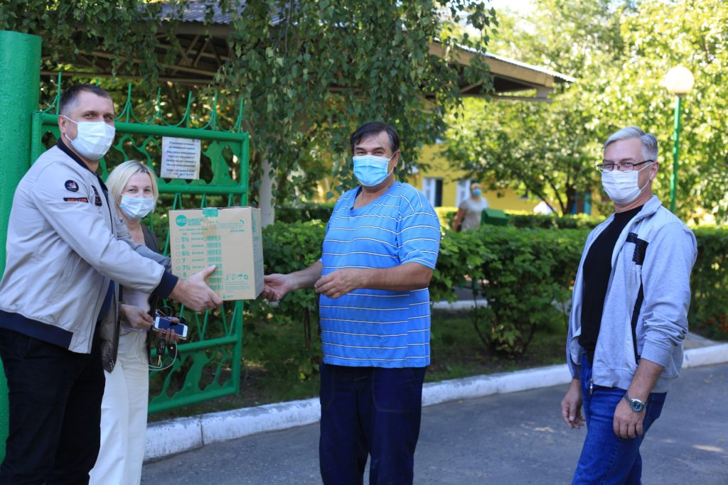 ВМЗ и «ОМК-Участие» передали в Дом милосердия очередную партию средств индивидуальной защиты