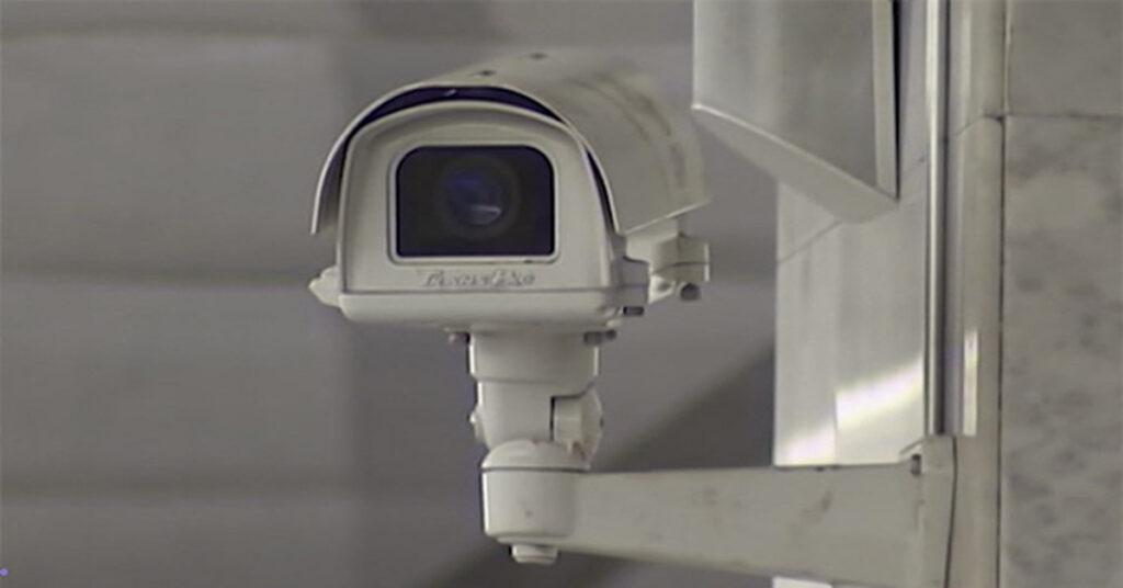 В 10 городах РФ запустят систему видеонаблюдения с распознаванием лиц