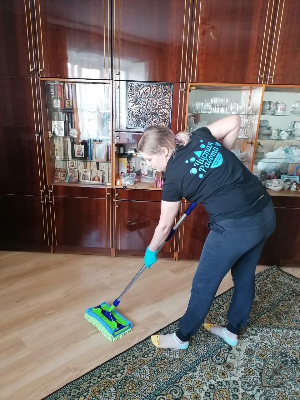 В домах и квартирах ветеранов провели генеральную уборку