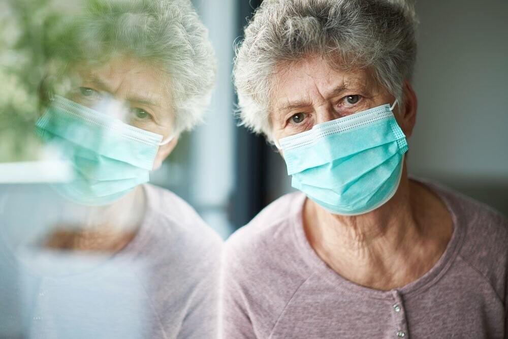 Нижегородцам старше 65 лет продлят больничные еще на две недели
