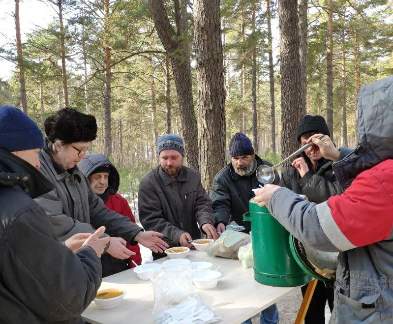 Будет работать выездной пункт раздачи горячего питания для бездомных