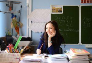 Мишустин установил выплаты за классное руководство во всех школах