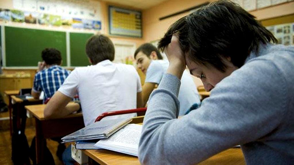 Ученики 9 и 11 классов будут учиться в очном режиме