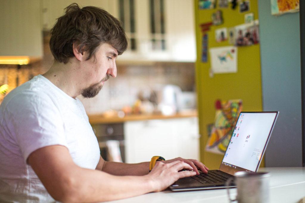 ОМК закрепляет удаленный и гибридный графики работы офисных сотрудников